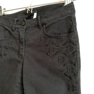💙[3/$25] H&M Aztec Embroidered Ankle Skinny Jeans